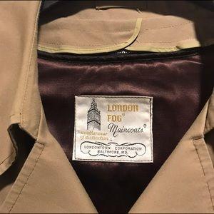 VINTAGE Men's London Fog Lined Belted-Trenchcoat